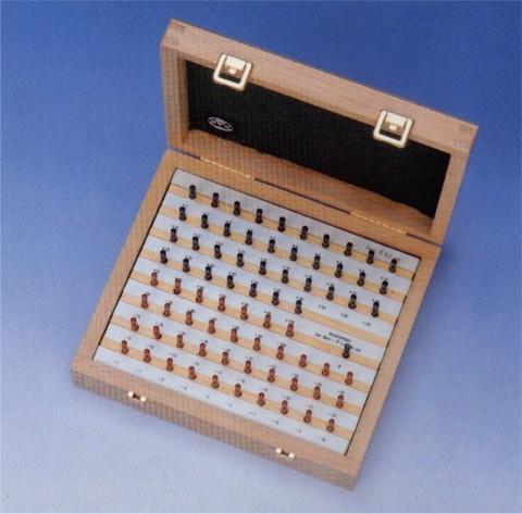 Abbildung: Messdornsatz 75-teilig, Nenndurchmesser 5 mm (Das Bild kann vom Original geringfügig abweichen.)